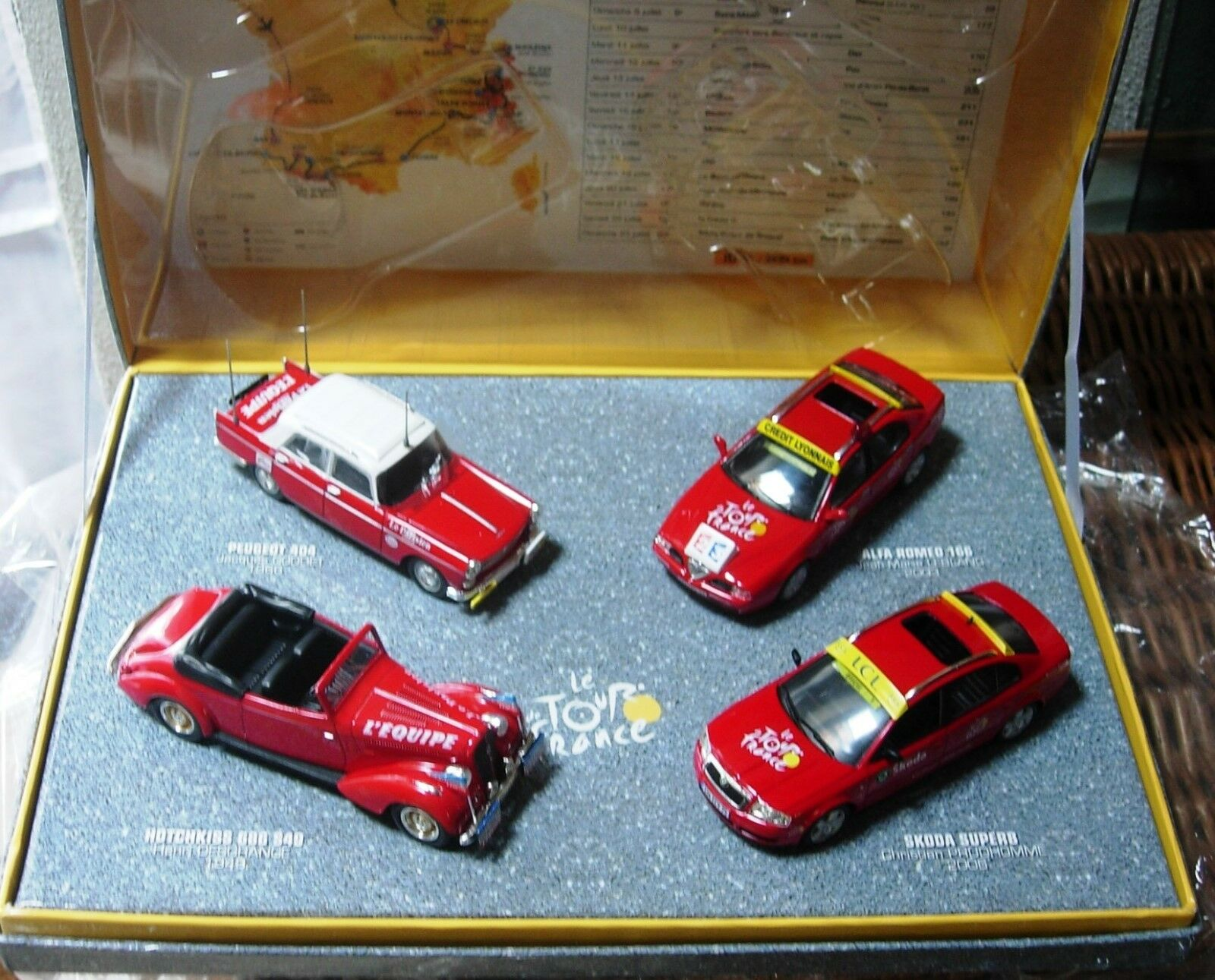 comodamente Confezione specialeee tour de france 2006 con con con 4 auto  negozio all'ingrosso