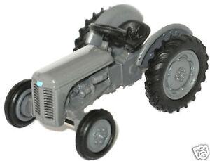 Oxford-76TEA001-Gris-Ferguson-Tractor-Escala-1-76-calibre-00-nuevo-en-caso-T48-Post
