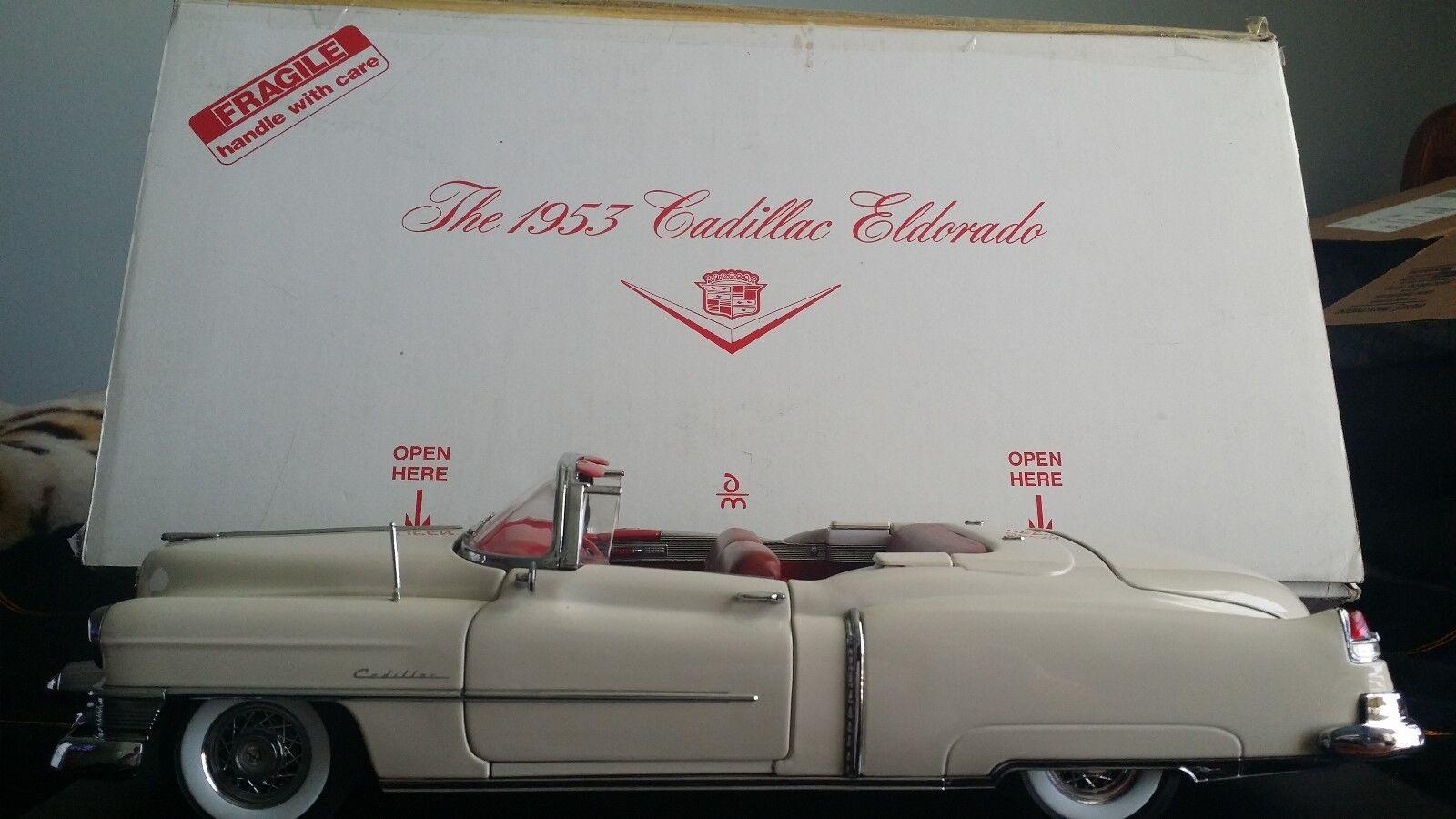 DANBURY Comme neuf 1953 ILLAC ELDORADO énorme échelle 1 16 en boîte avec Chêne stand docs Acce