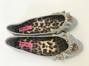 Betsey-Johnson-Sasiee-gray-suede-embellished-flats-women-8-5-heart-gold-hardware