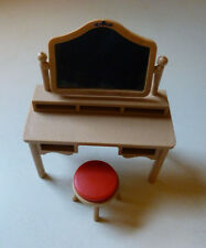 VINTAGE TOMY SMALLER HOMES DOLLHOUSE BEDROOM VANITY AND STOOL - 1:16 SCALE