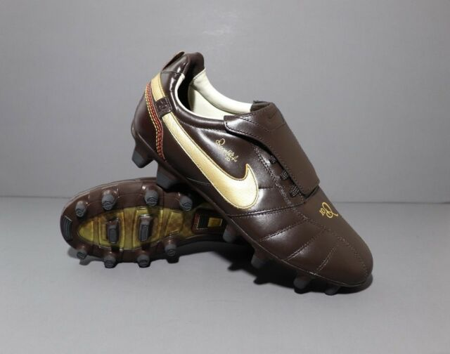 Nike Tiempo IV indoor soccer shoes Ronaldinho Brand new