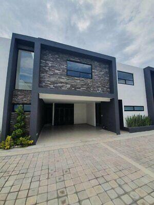 Casa Nueva en Venta en La Carcaña, Periférico y Recta a Cholula