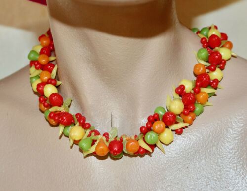 vintage 1980's plastic fruit choker necklace