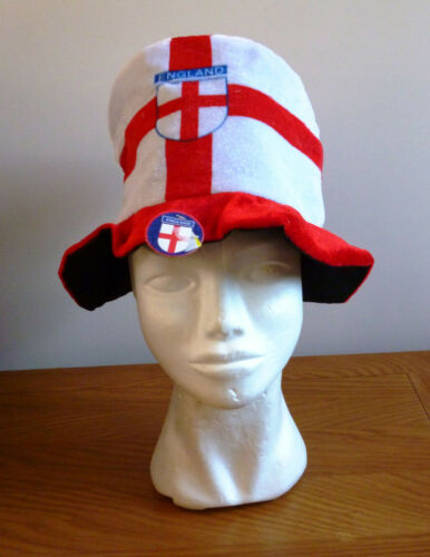 RED AND WHITE ENGLAND SUPPORTS DRESS UP HAT NEW