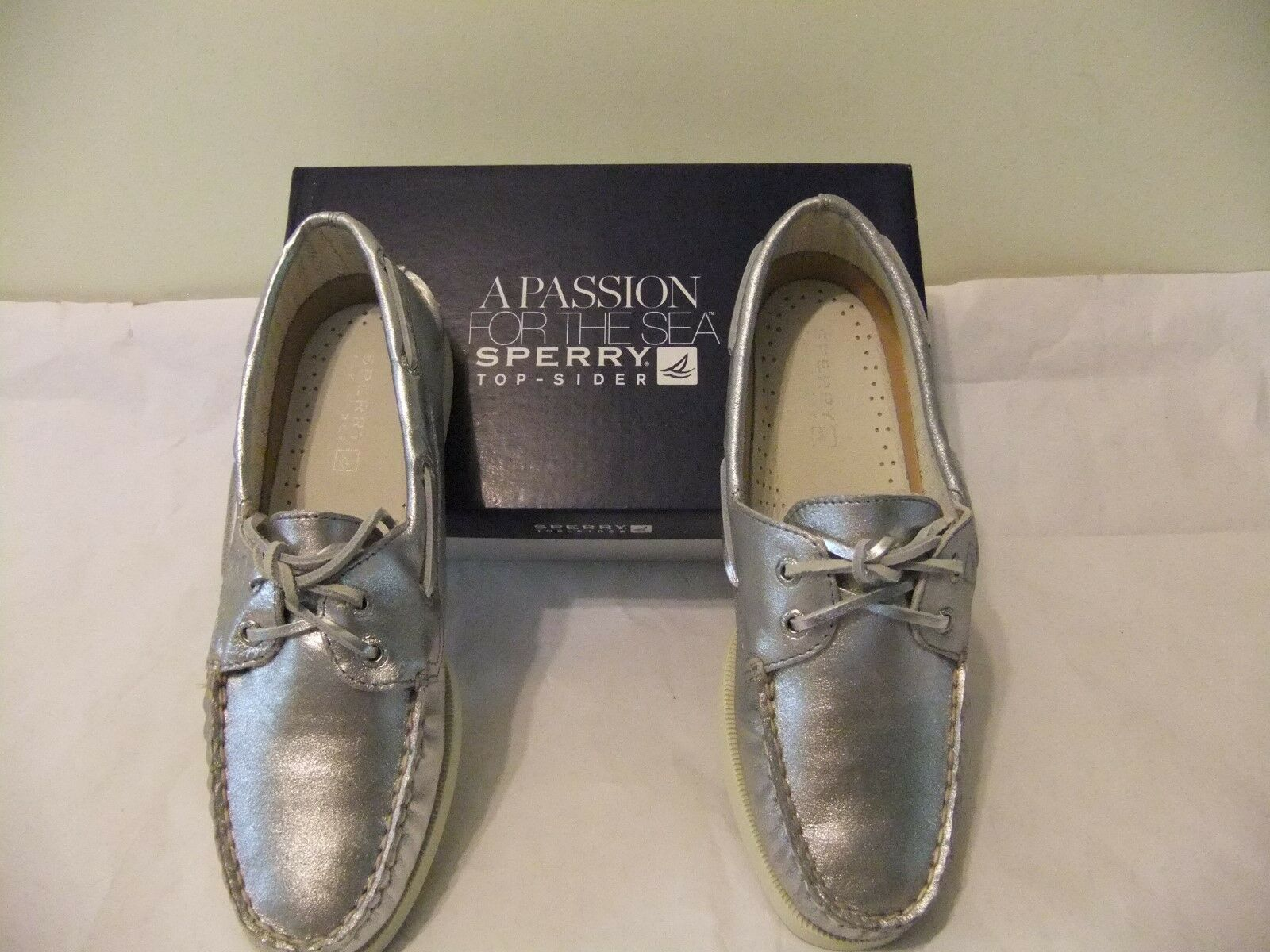 SPERRY TOP SIDER A O Silver Metallic Leather Boat shoes Size 7 EU 37.5 NIB  95