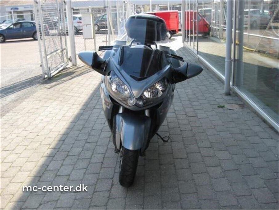 Kawasaki, GTR 1400, ccm 1400