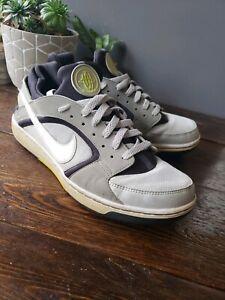 2010 Nike Air Huarache Tennis Shoes