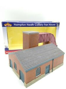 Bachmann-Branch-line-44-027-Hampton-Heath-Colliery-Fan-House-OO-Mint-amp-Boxed
