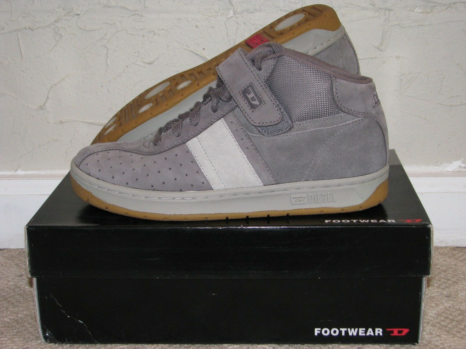 Diesel 'Mid' Trainer  Sneaker Grey   Light Grey   Gum Sole Mens Size 10 EUC   70% off cheap