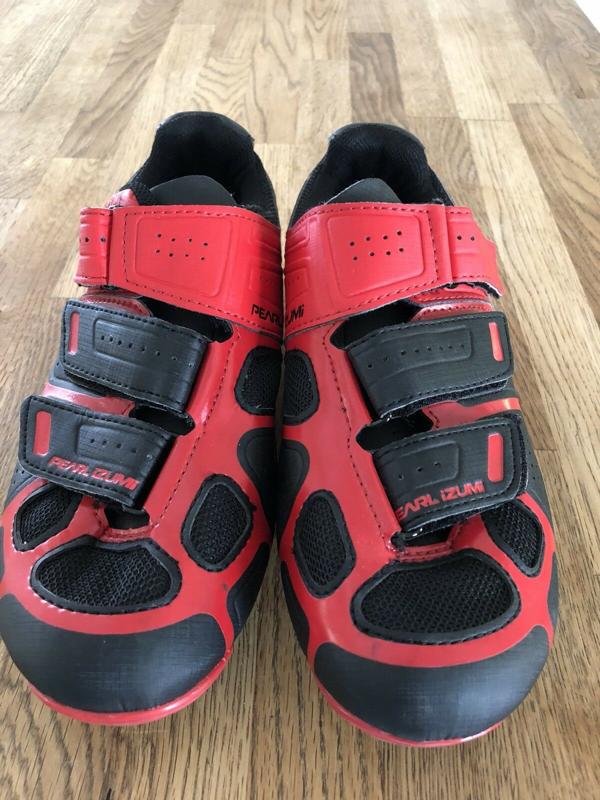 Pearl Izumi Cycling  shoes 39.0  authentic