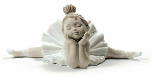 Mädchen beten schwarzes an Mädchen Weißes Betten für