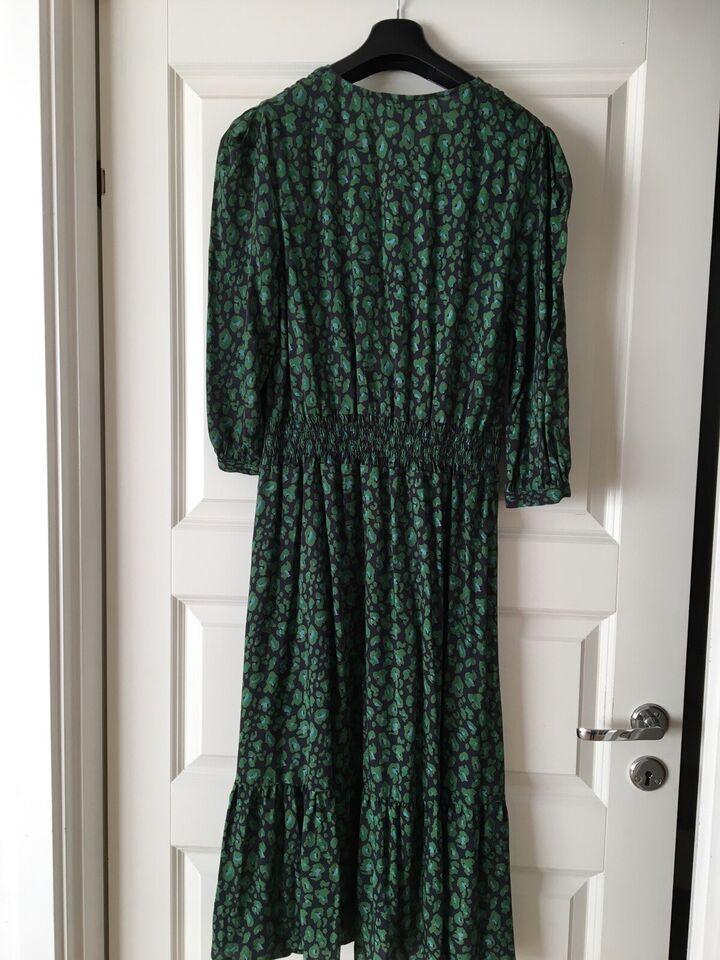 Anden kjole, An'ge, str. L