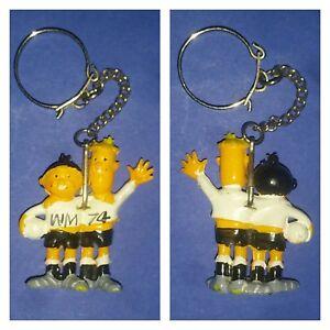 Details Zu Wm10 Maskottchen Weltmeisterschaft Wm 1974 74 Tip Tap Bundesliga Fussball Dfb 4cm