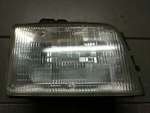 Headlight Headlamp Passenger Side Right RH NEW for 00-02 Cadillac Deville