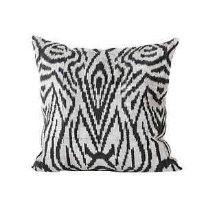 20-08-034-x-20-08-034-Pillow-Cover-Velvet-Ikat-Pillow-Fast-Shipment-With-UPS-08321-01
