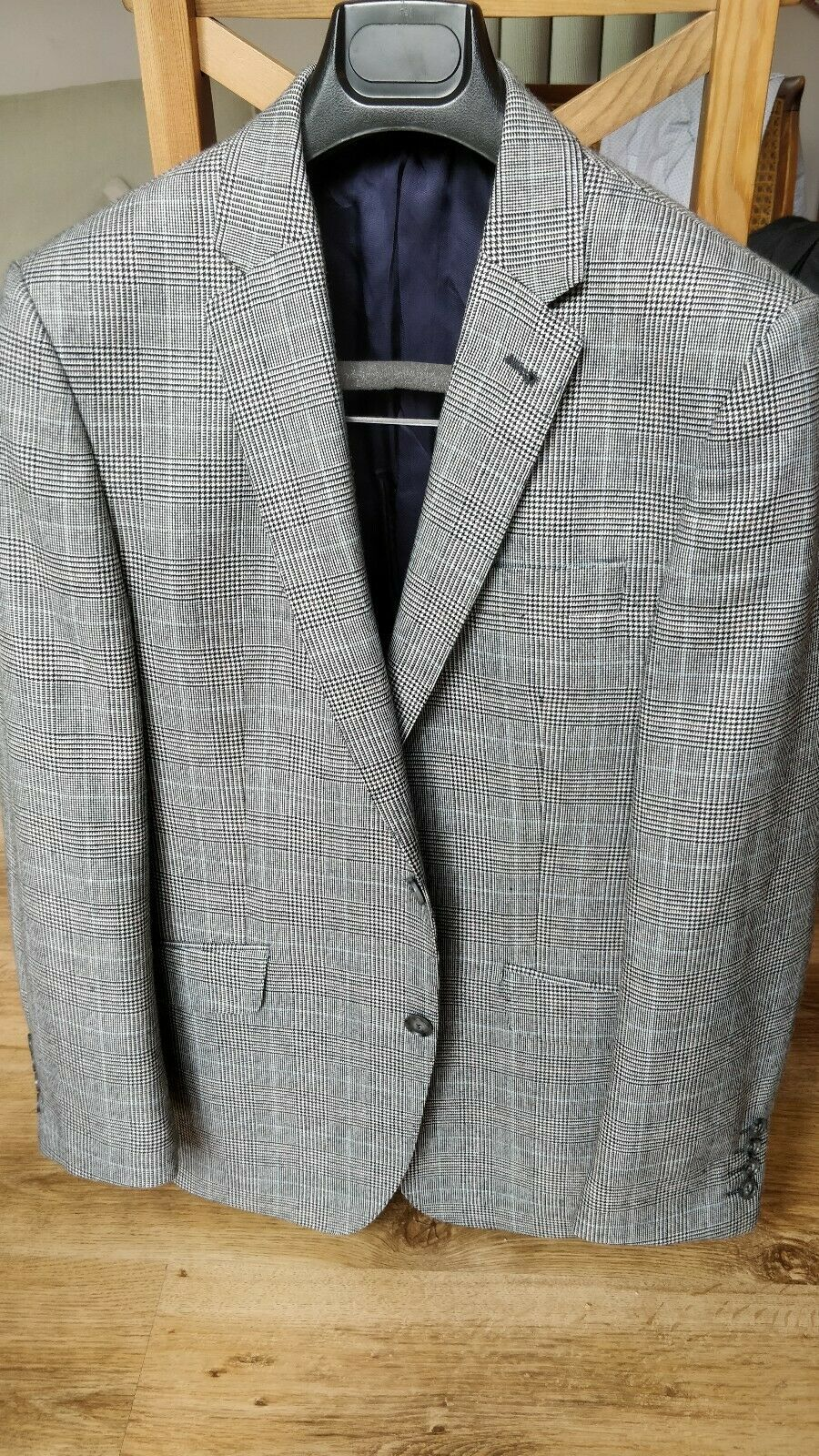 Prince of wales check suit 38R W32 - Only Worn A Couple Times