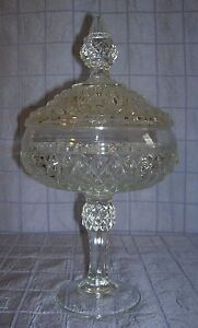 VINTAGE-INDIANA-GLASS-CANDY-COMPOTE-COVERED-PEDESTAL-BOWL-DIAMOND-PATTERN-B12