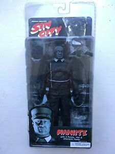 NUOVO-CON-SCATOLA-NECA-7-5-034-SIN-CITY-MANUTE-sereis-1-Action-Figure-B-amp-W-Frank-Miller
