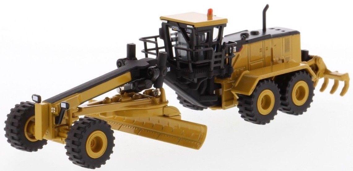 Diecast Masters Caterpillar 24M Motor Grader 1 125 scale Model Toy Car