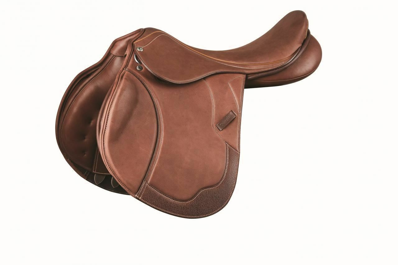 Collegiate Honour Leather Close Contact Saddle with Shaped Knee Rolls