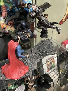 Man of Steel: Superman Vs. Zod 1/12 Scale Statue by Dc Collectibles