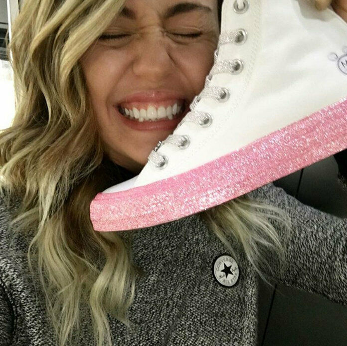 New Converse X Miley Cyrus Chuck Taylor All Star White Pink Glitter 162239C 8.5