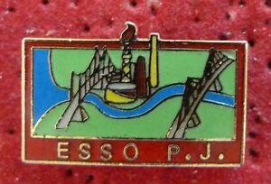 RARE-PIN-039-S-HUILE-ESSO-P-J-PETROLIER-EGF