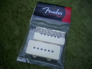 FENDER-JAZZMASTER-U-S-A-AGED-WHITE-PICKUP-COVERS-FENDER-COVERS-FREE-P-amp-P