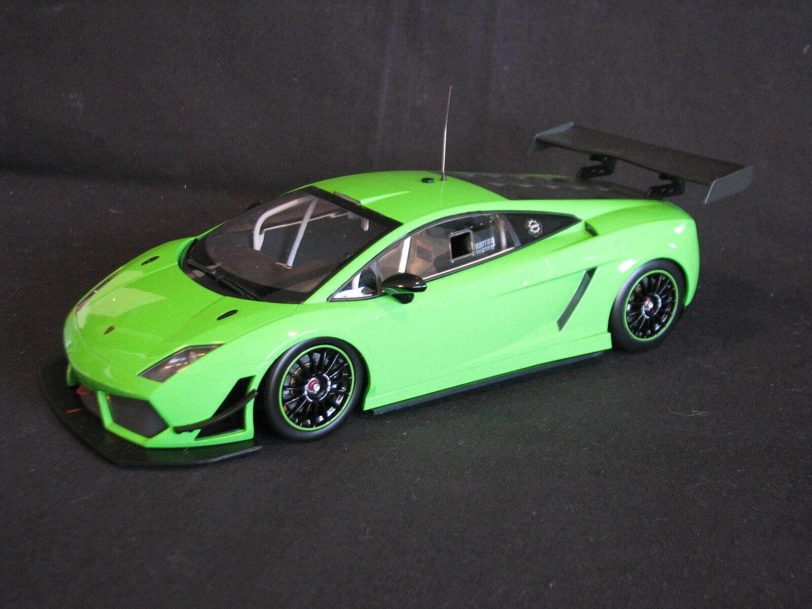 Minichamps Lamborghini Gallardo LP 600  Street  1 18 verde