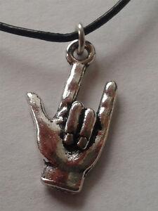 Halskette-Anhaenger-I-Love-You-Ich-liebe-Dich-Rockhand-Metalhand