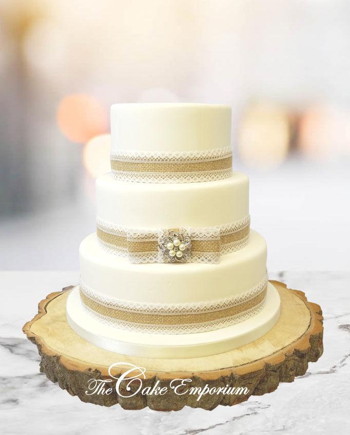 Vintage Rustic Wedding Cake Hessian Lace Pearl Brooch Ribbon ...