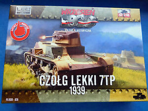 1-72-First-to-Fight-026-WWII-Panzer-7TP-Polish-Light-Tank-with-37mm-gun-2-WK