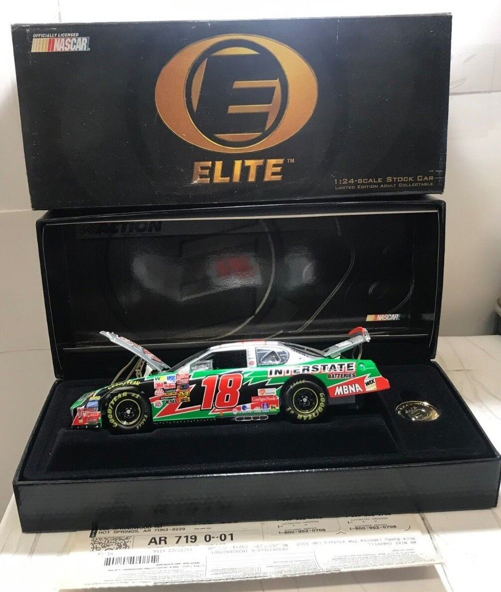 RCCA Elite  1 24 2003 Bobby Labonte Interstate Batteries The Victory Lap