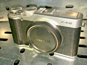 FujiFilm-X-series-X-A2-16-3mp-Digital-Camera-Silver-body-only-boxed