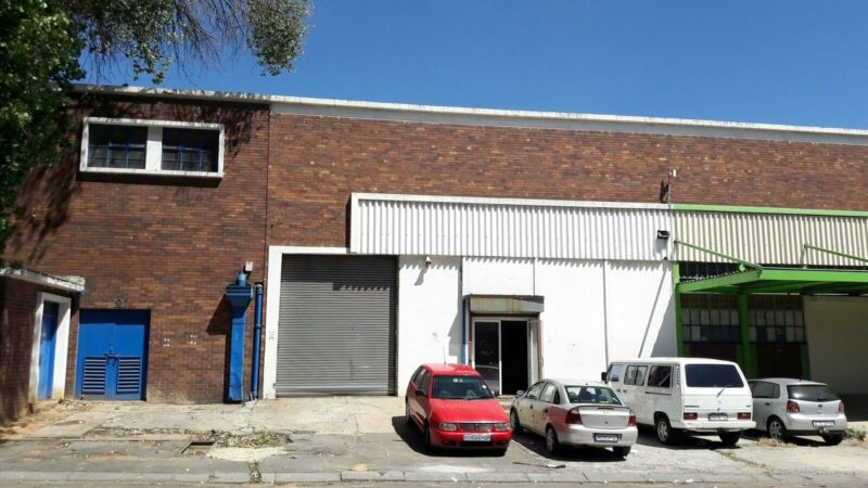 Industrial facility to let in Industria