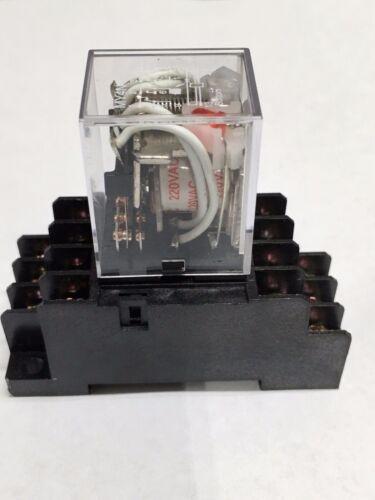 Relais MY4N-J MY4N MY4 220V 240V 220VAC Spule mit Buchse Basis PYF14A
