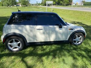 2005 MINI Cooper fully loaded leather