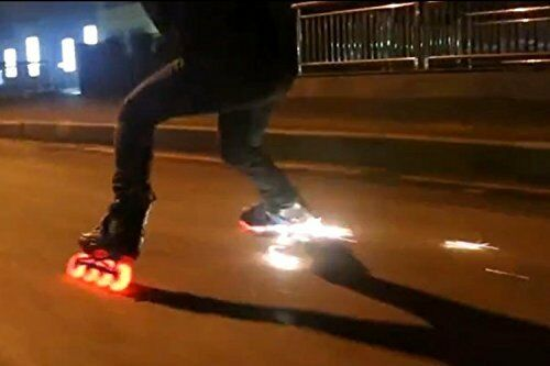 Hot  Cool Spark LED Flash Inline S  Wheels With 52 Pieces Flint FireStone  a lot of surprises