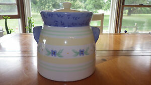 Summer Breeze Canister by Pfaltzgraff Tureen & Lid in Yellow with Blue flowers