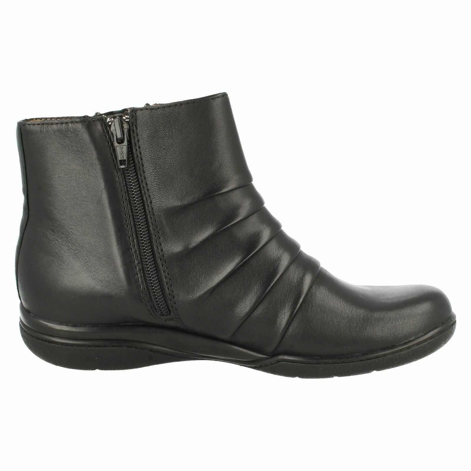 LADIES CLARKS BLACK LEATHER ANKLE BLUSH