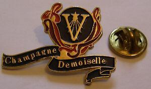 CHAMPAGNE-VRANKEN-DEMOISELLE-French-Wine-vintage-pin-badge
