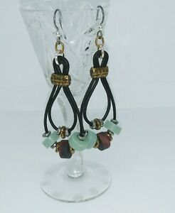 BOHO-STYLE-STONE-AND-WOOD-LEATHER-HOOP-EARRINGS