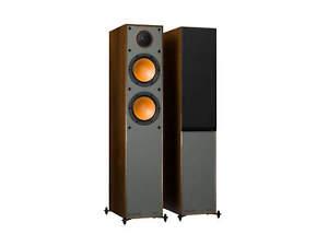 Monitor Audio Monitor 200 altavoces de nogal (Par) Nuevo Stock