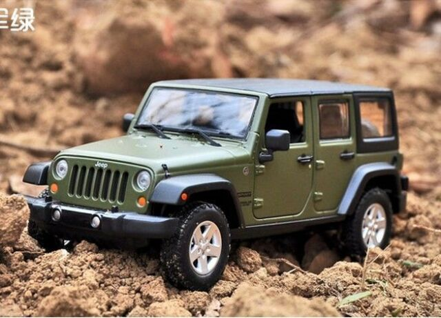 Lovely Maisto 1:24 2015 JEEP Wrangler Unlimited Diecast Metal SUV Model Car New  Green