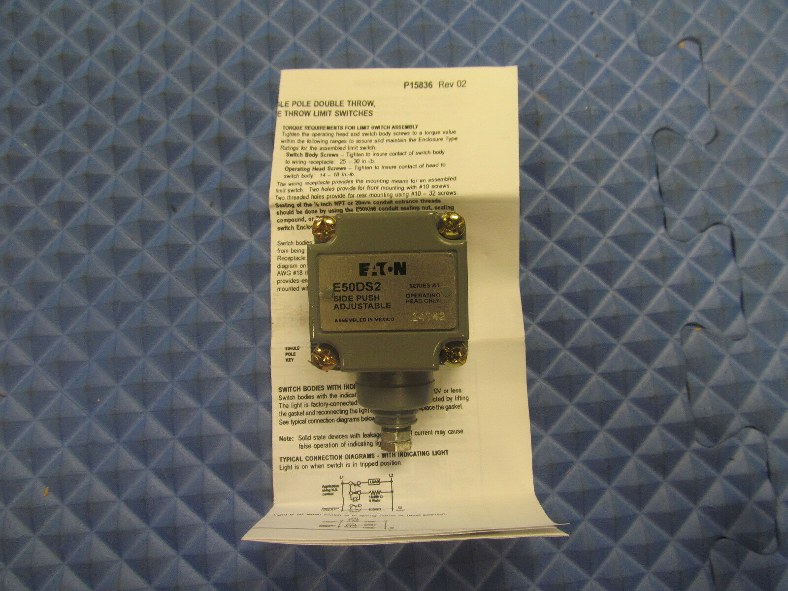 New Eaton Limit Switch Operating Head E50DS2 Free Shipping