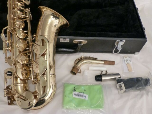 1970 Conn Alto Saxophone Great Playing Condition, with extras - Ready!