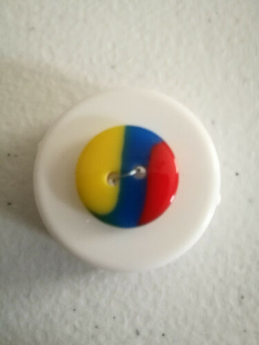 Multicoloured buttons 2 hole size 15mm in 5 colours ideal for clothing//craft