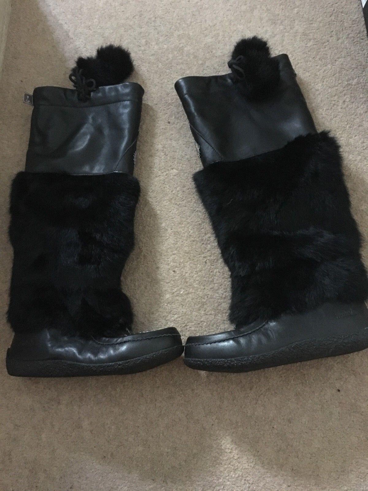Muks Fur Boots - UK Size 6