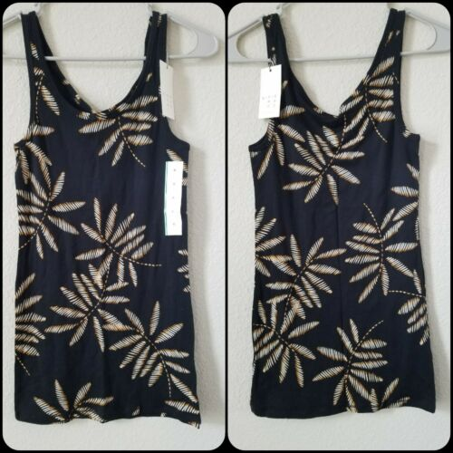 HAWAIIAN Tank Top Size MEDIUM*A NEW DAY*Super Soft**Stretchy**NWT**FREE SHIPPING